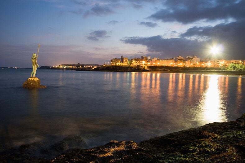 playa_melenara_neptuno_noche
